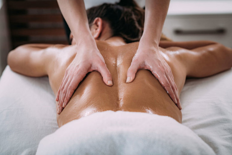 Image of £17 instead of £40 for a choice of a one-hour deep tissue or sports massage at Evolve Health & Fitness, Bristol - save 57%