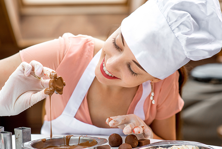 Image of £59 for a deluxe chocolate making course at Novotel in Manchester, Leeds or Birmingham from Into the Blue - save 25%