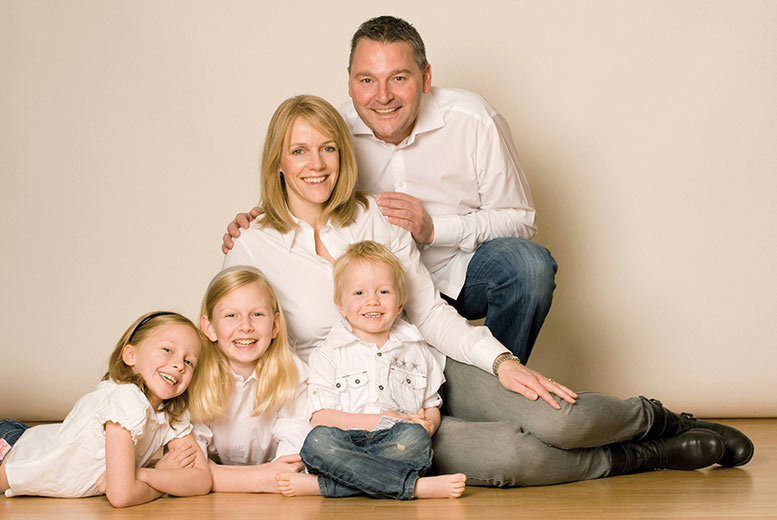 """Image of £7 instead of £25 for a one-hour family photoshoot including a consultation, a framed 8"""" x 6"""" photograph and a £20 gift voucher at Barrett & Coe - choose from 127 locations and save 72%"""
