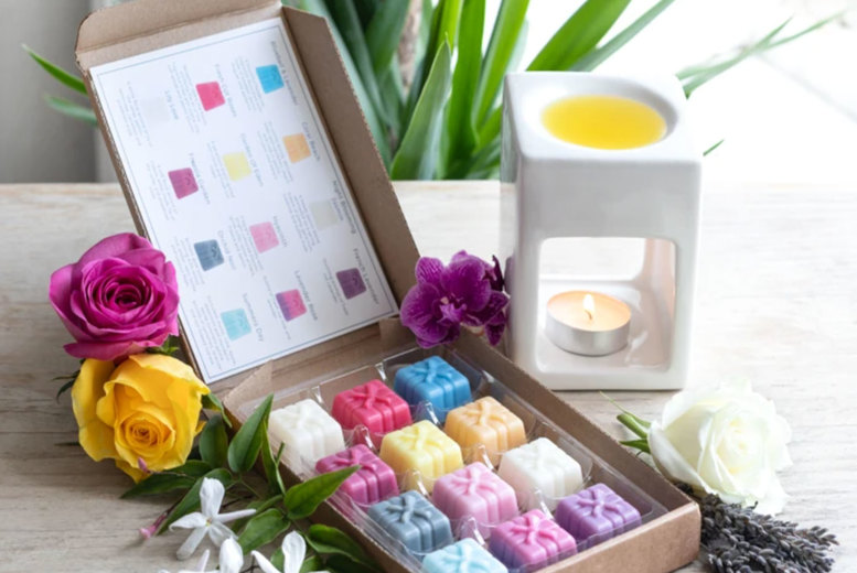 Image of £6.99 instead of £11.99 for a floral wax melt selection box with 12 products from Graces Court - save 42%