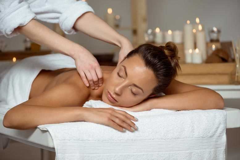 Image of £39 for a luxury pamper package with two 30-minute treatments at House of Evelyn, Southport
