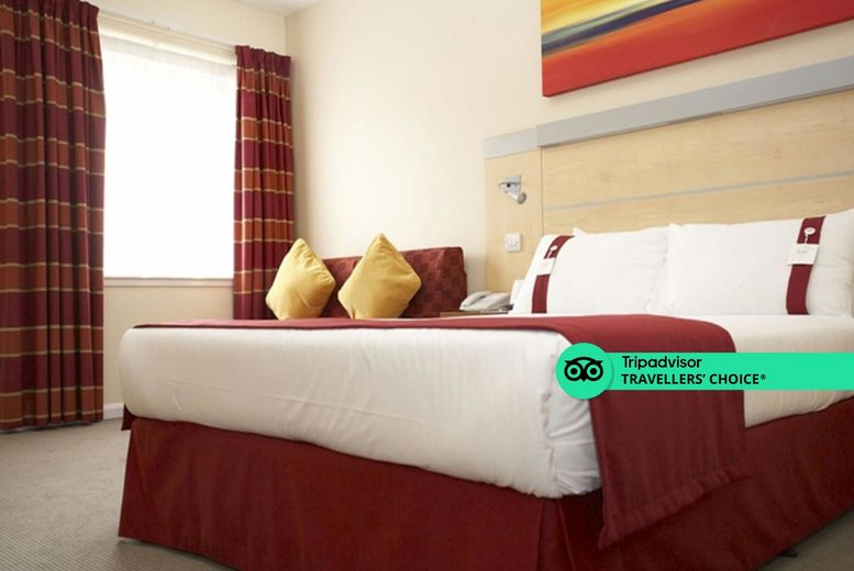 Image of A Redditch, Birmingham stay at the Holiday Inn Express Birmingham, Redditch for two with one bottle of Prosecco or wine to share, breakfast and 1pm late check out. £49 for one night, £89 for two nights, or £129 for three nights - save up to 55%