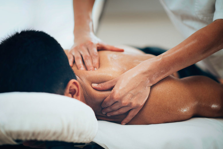 Image of £17 instead of £50 for a one-hour sports therapy massage at Evolve Health & Fitness, Bristol - save 66%