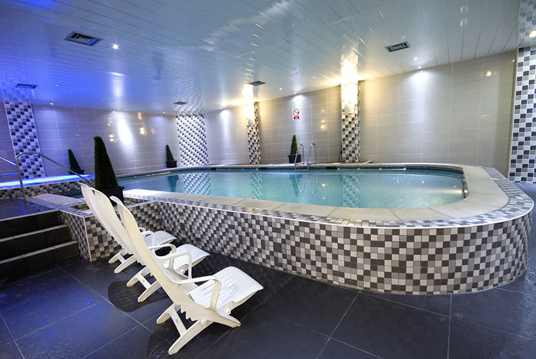 DDDeals - From £75 (at the Best Western Oaks Hotel) for an overnight stay for two people with a two-course dinner, bottle of wine, leisure access and breakfast - save up to 49%