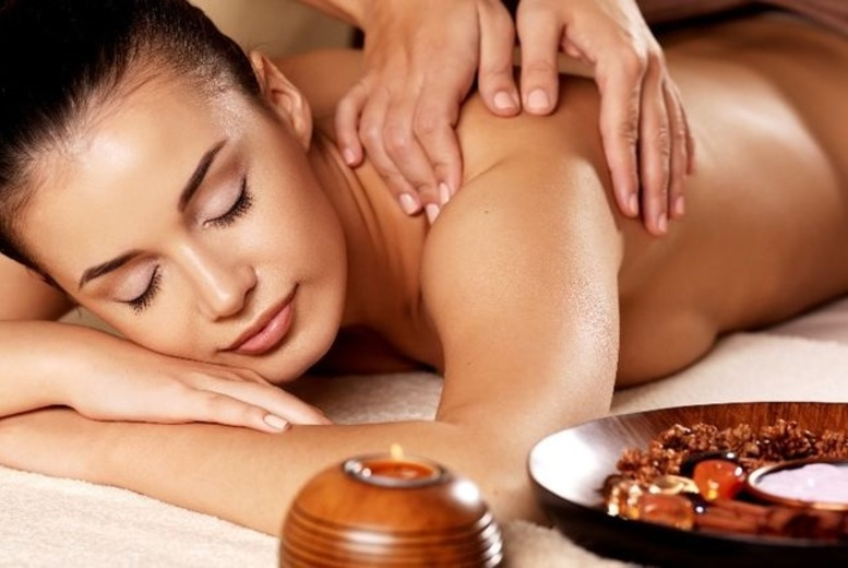 The Best Deal Guide - £19 instead of £30 for a luxury 30-minute aromatherapy massage from Essentia spa - save 37%