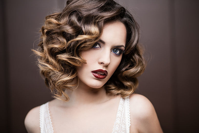 The Best Deal Guide - £19 instead of £45 for a half head of highlights from Hair Empire Salon - save 58%