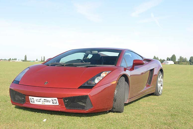 DDDeals - £39 for a weekday three-lap Lamborgini driving experience, or £49 for a weekend experience with Supercar Test Drives - choose from eight locations and save up to 74%