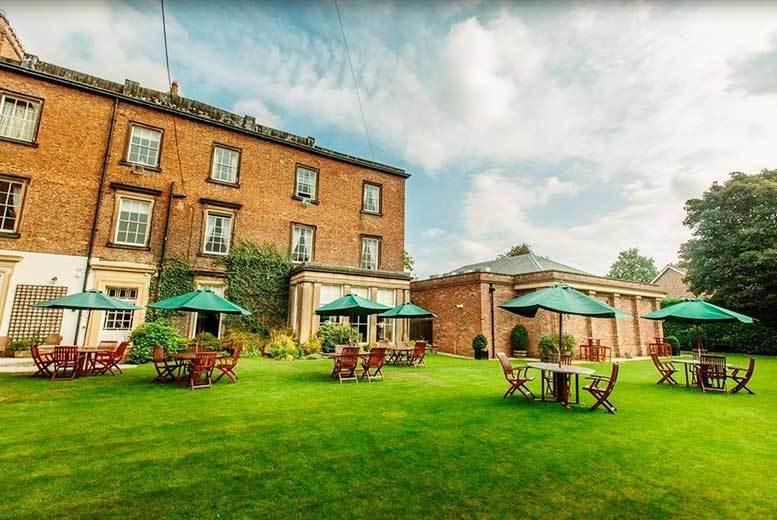 4* Spa Break, 2-Course Dinner & Prosecco for 2 @ Bannatyne Hotel Darlington