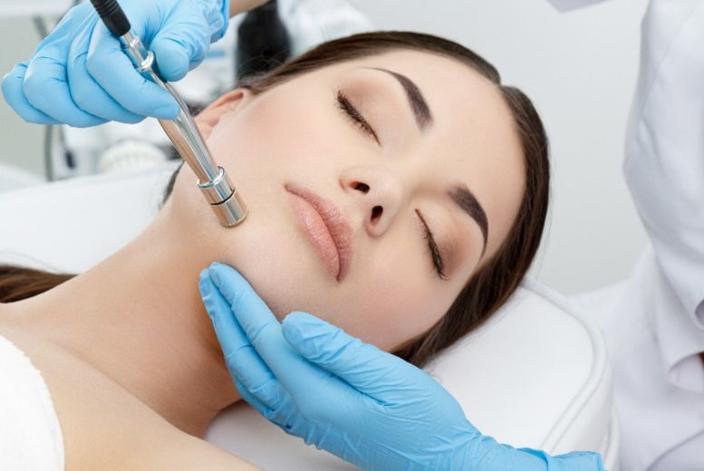 The Best Deal Guide - £21 instead of £40 for a microdermabrasion treatment from Gallery Of Beauty - save 48%
