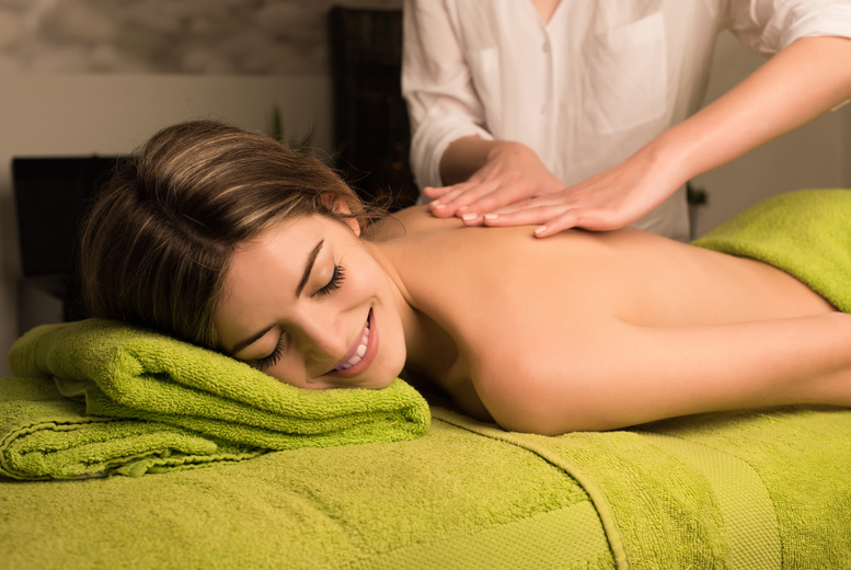 The Best Deal Guide - £14 for a 30-minute neck, back & shoulder massage from Lashious Beauty