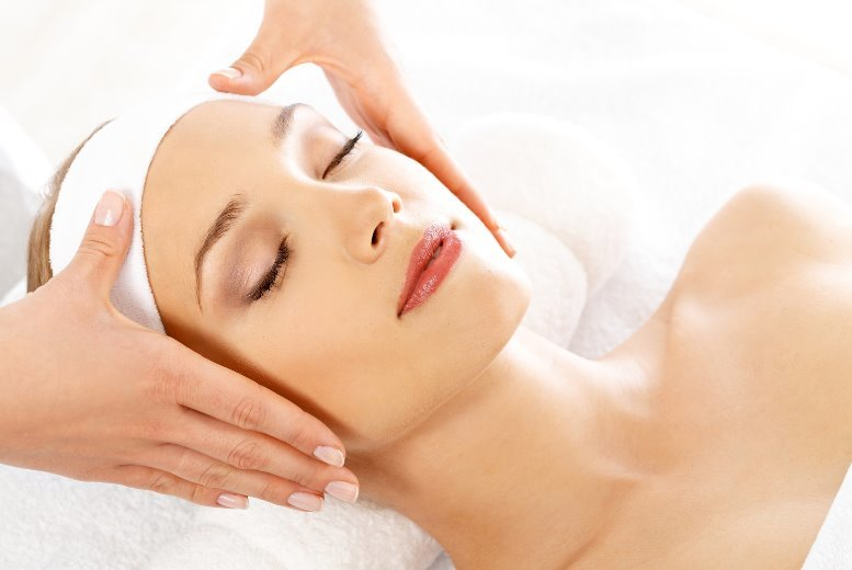 The Best Deal Guide - £12 for a 30-minute facial treatment from Lashious Beauty