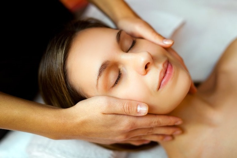 The Best Deal Guide - £10 for a luxury facial from Namra's Hair & Beauty