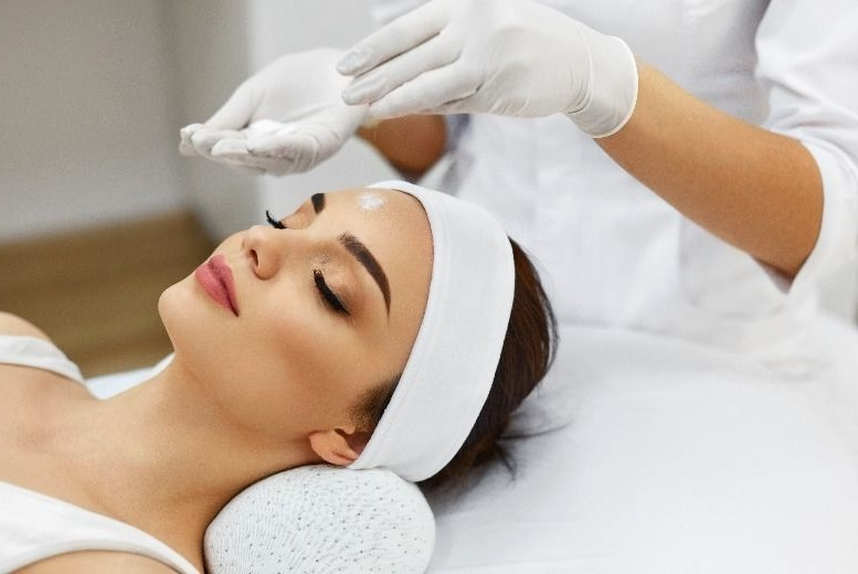 The Best Deal Guide - £17 for a 1-hour collagen facial from Namra's Hair & Beauty