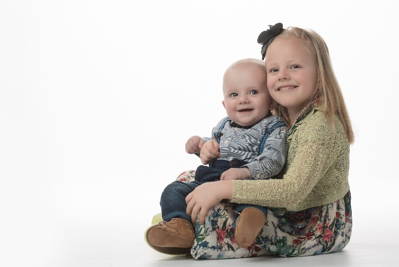 The Best Deal Guide - £10 for a family photoshoot & prints package from Dumitrel Rada Photography