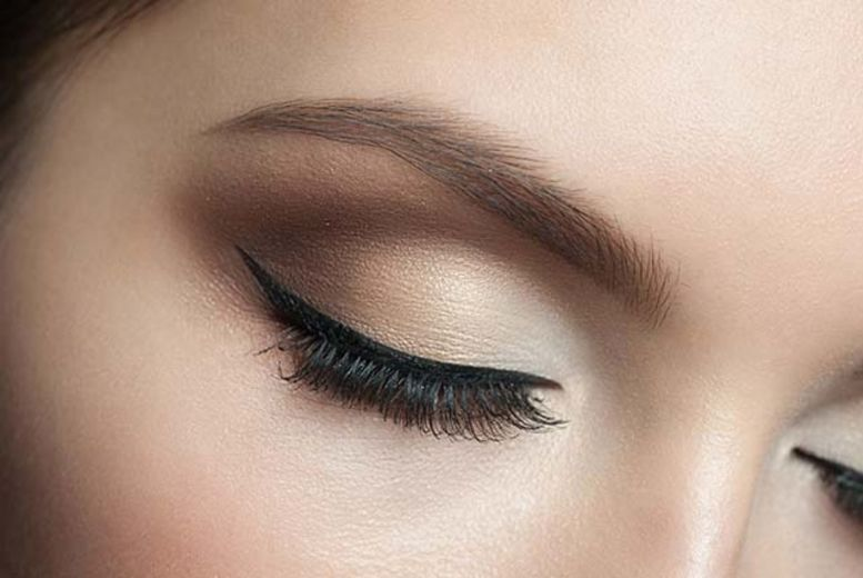 The Best Deal Guide - £39 instead of £70 for a full set of individual eyelash extensions from Sante Spa Ltd - save 44%