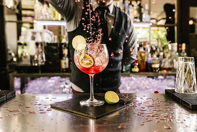DDDeals - £8 instead of £25 for a cocktail masterclass for one person including two drinks, or £15 for two people at Dice Bar, Croydon - save up to 68%