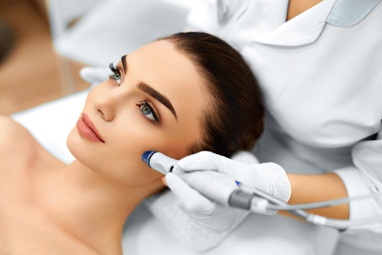 The Best Deal Guide - £34 instead of £120 for 3 microdermabrasion treatments from Belleza - save 72%
