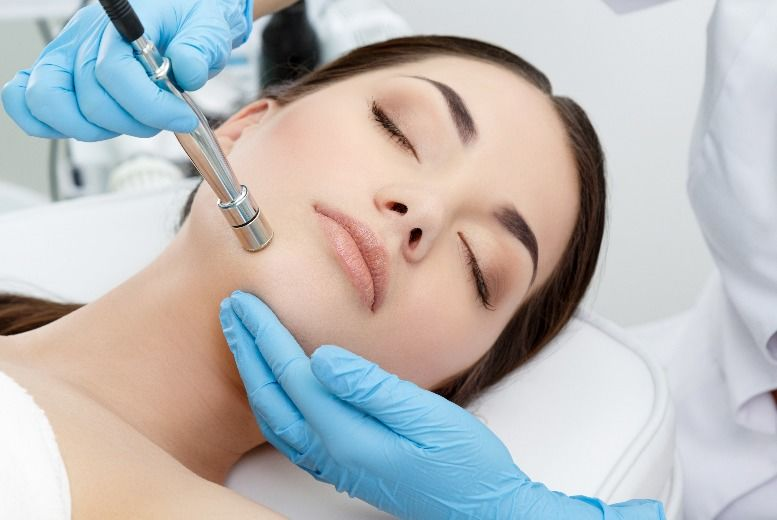 The Best Deal Guide - £21 instead of £40 for a microdermabrasion treatment from Belleza - save 48%