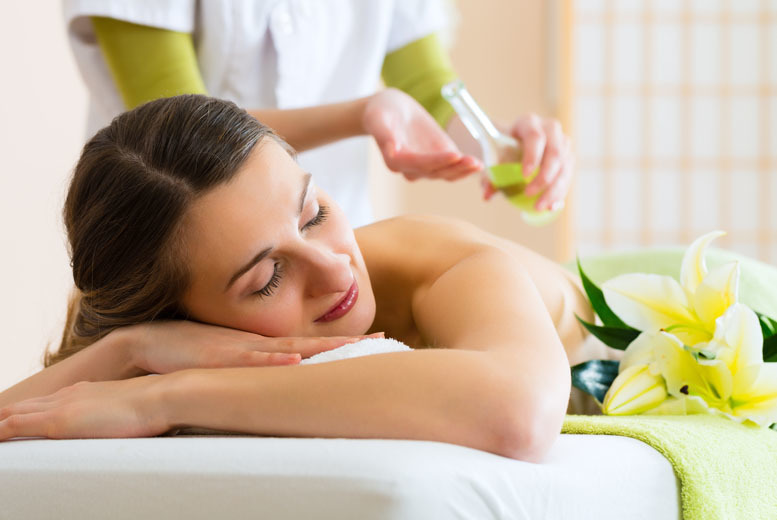 DDDeals - £14 for a one-hour pamper package at Adorez, Northenden - choose from a selection of treatments