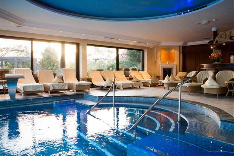 1-2nt 4* Berkshire Spa Stay, Breakfast & Prosecco for 2