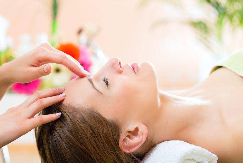 The Best Deal Guide - £18 instead of £40 for a massage & facial from Caroline's Hair, Nails & Beauty Salon - save 55%