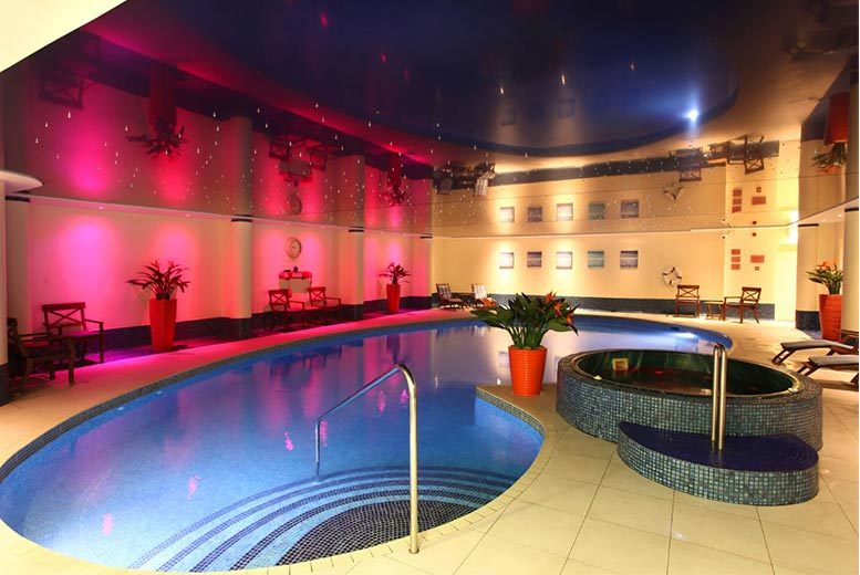 South Wales Spa, 3-Course Dinner, Breakfast & Treatment for 2