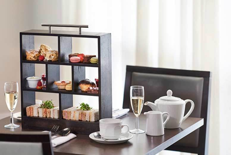 DDDeals - £19 instead of £43.90 for a traditional afternoon tea for two, £26 to include a glass of Prosecco each at DoubleTree by Hilton, Dartford Bridge - save up to 57%