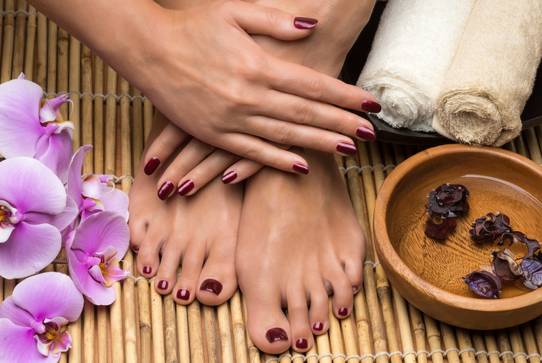 The Best Deal Guide - £19 instead of £30 for a shellac manicure & pedicure from House of Glamour - save 37%