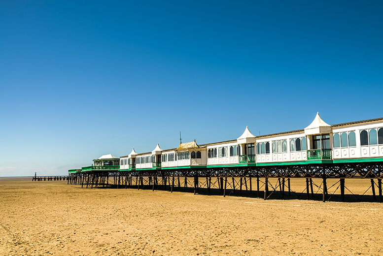 2nt St Anne's Seaside Stay, Breakfast & 3-Course Dinner for 2