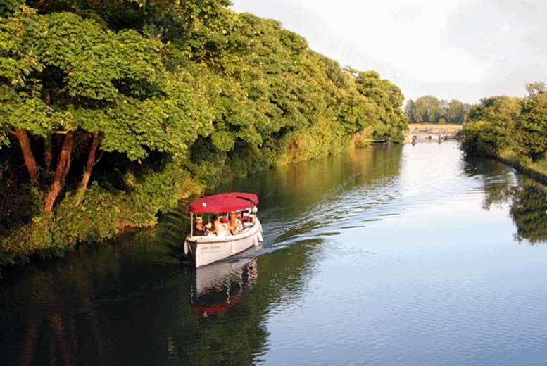 DDDeals - £79 for a serene 'Spirit of Oxford' family cruise – follow the route which inspired Lewis Carroll's Alice in Wonderland and soak up the Oxfordshire landscape!