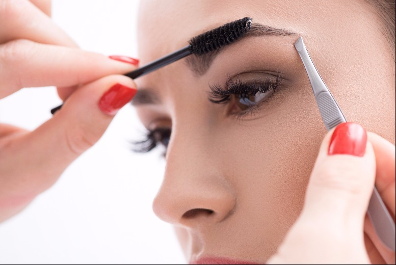 The Best Deal Guide - £10 for an eyebrow shape and tint from Rivaj Hair and Beauty