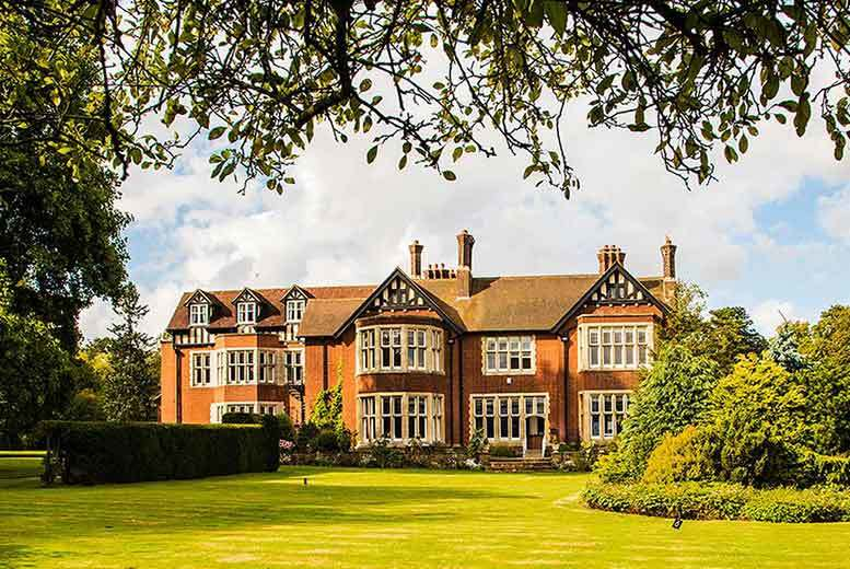 DDDeals - £59 (at Scalford Hall Hotel) for an overnight Melton Mowbray stay for two people including a Christmas summer party with barbecue and breakfast - save up to 59%