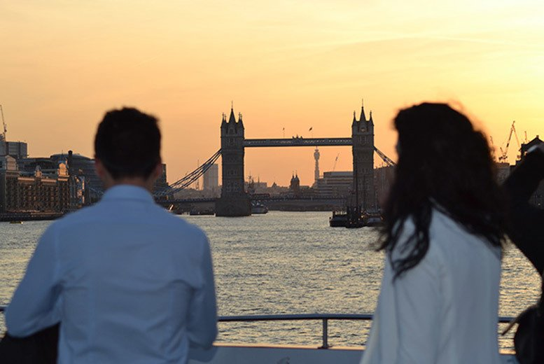 DDDeals - £159pp (from SuperBreak) for an overnight 4* London stay with a three-hour, four-course Thames dinner cruise, £229pp for a two-night stay - save up to 54%