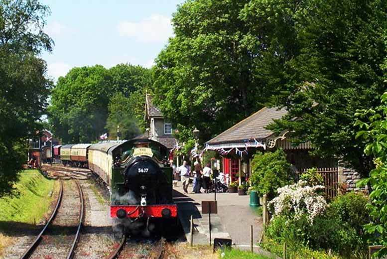 Somerset Steam Train Ride & Sparkling Afternoon Tea for 2