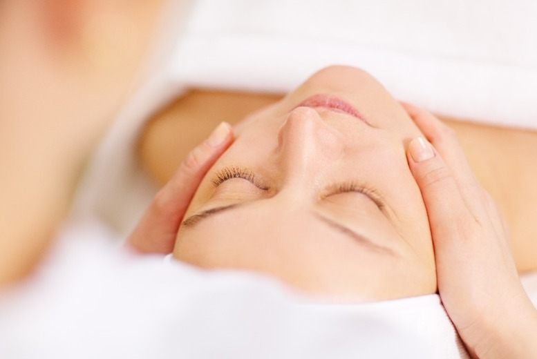The Best Deal Guide - £19 for a luxury facial, arm & hand massage from Beauty Nails and Tanning