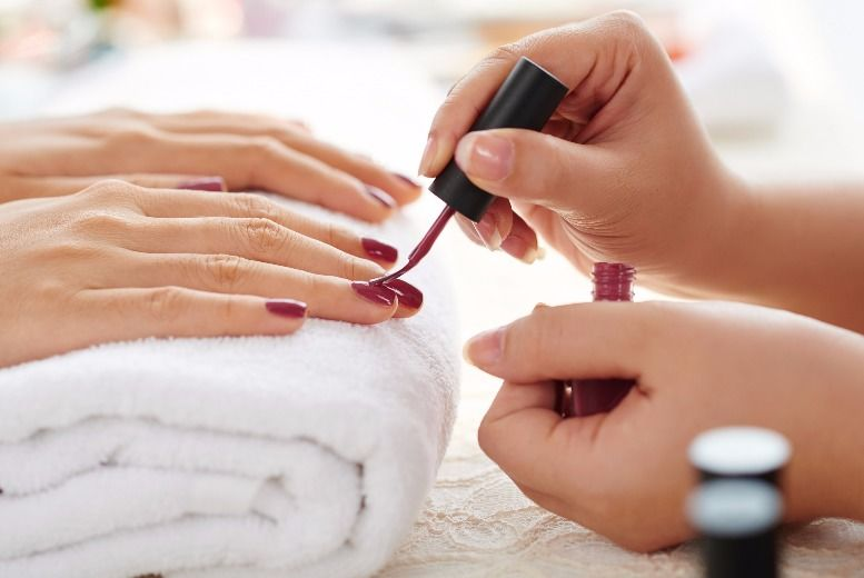 The Best Deal Guide - £14 instead of £23 for a shellac manicure from Honey's Hair & Beauty - save 39%