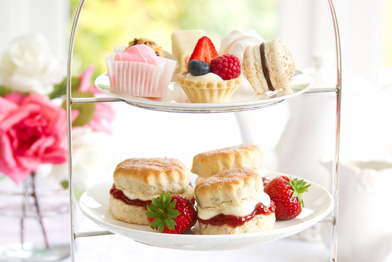 The Best Deal Guide - £19 instead of £40 for an afternoon tea for 4 from Mom'n'co - save 53%