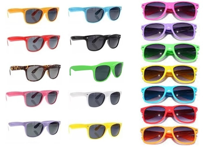 The Best Deal Guide - £4.99 instead of £39.98 for two pairs of classic wayfarer sunglasses - choose from 10 colours from Fakurma - save 88%