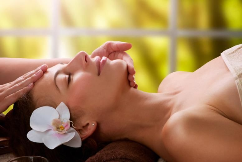 The Best Deal Guide - £24 for a head massage, eyebrow shape & collagen facial package from New York Glamour