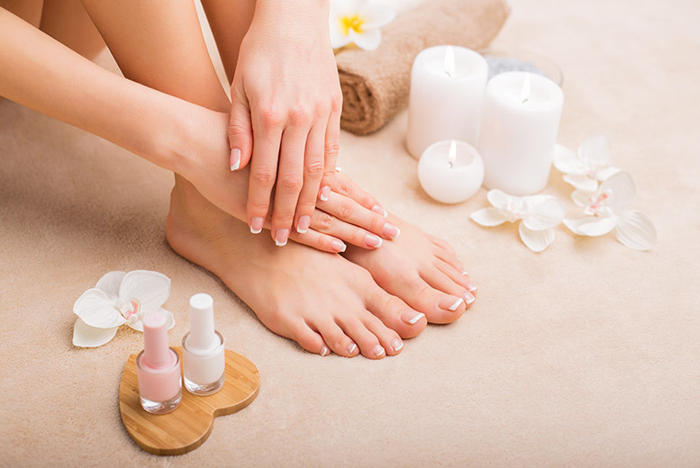 The Best Deal Guide - £29 instead of £400 for a one-day accredited manicure and pedicure course at Felicity Natural Beauty, Cricklewood - save 93%