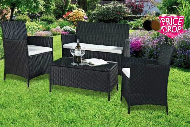 The Best Deal Guide - £79 instead of £699 for a 4pc Madrid rattan sofa set - choose from black and brown from Evre - save 89%