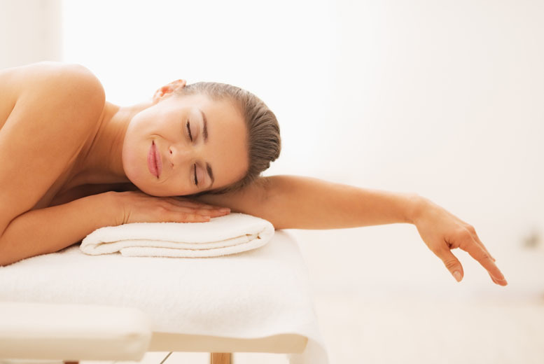 The Best Deal Guide - £19 instead of £25 for a 30-minute reflexology treatment and 30-minute back, neck and shoulder massage at Prime Health UK, Leeds - save 71%