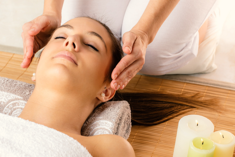 The Best Deal Guide - £19 instead of £85 for a 90-min pamper package including arm, leg and facial massage infused with Reiki healing at Reiki Relaxation and Holistic Massage, Liverpool - save 78%