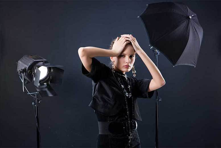 The Best Deal Guide - £9 instead of £299 for a makeover photoshoot with a print and glass of bubbly for one or two people from Hyde Park Studios - save 97%