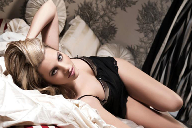 The Best Deal Guide - £14 instead of £175 for a two-hour boudoir, dudoir or couple's photoshoot including makeover, bubbly and an A4 mounted print at Nicola Bald Photography - save up to 92%
