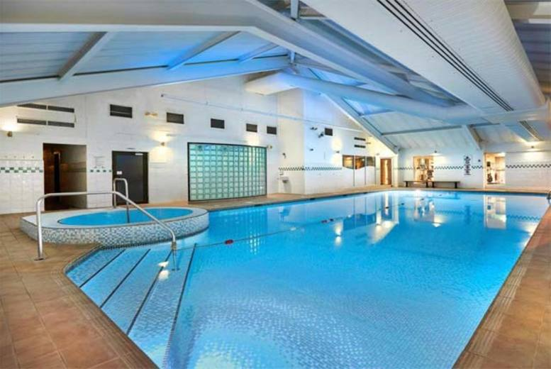 The Best Deal Guide - £10 instead of £20 for a gym and spa day pass for two at the Livingwell Health Club @ 4* Hilton, Bristol - save 50%