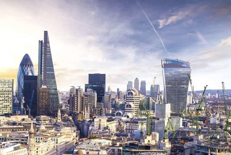4* Luxury London Break & 3-Course Gordon Ramsay