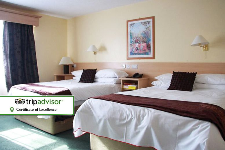 Drummond Hotel Stay, Breakfast, Hot Chocolate & Cookies for 2