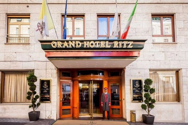 2nt 5* Rome Stay, Breakfast & Flights - Grand Hotel Ritz!