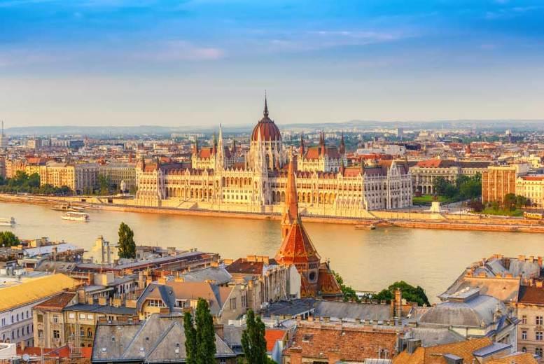 4-6nt Prague & Budapest Trip, Bus Transfer & Flights